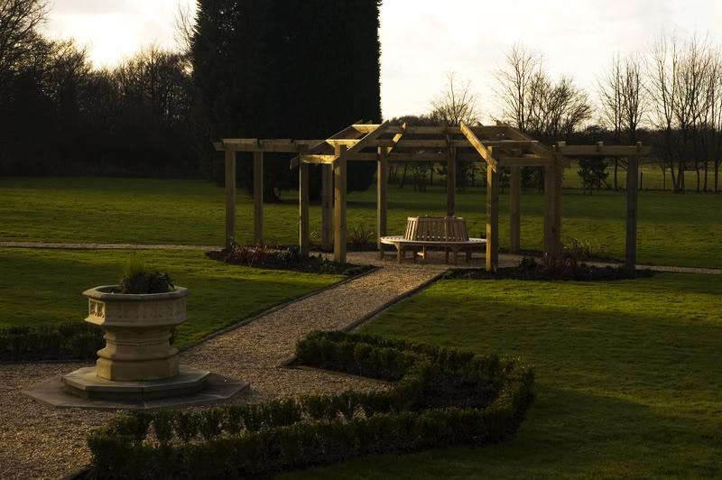 Large-Garden-Pergola-Alderley_Edge