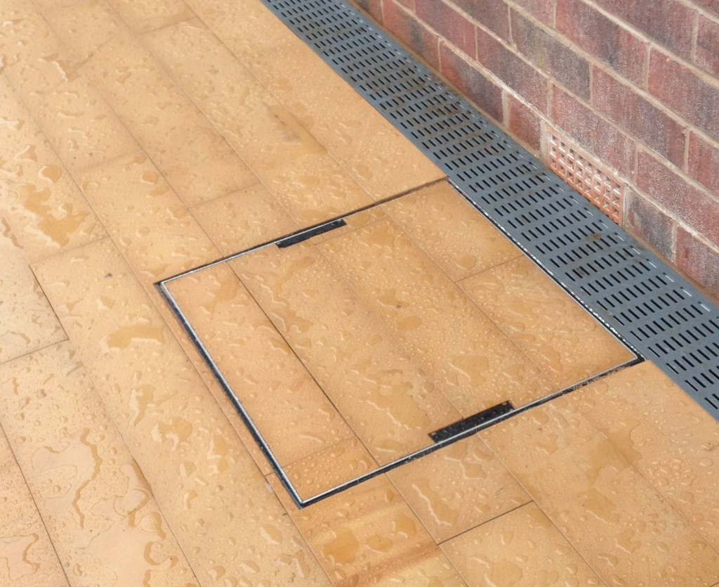 Polished-Sandstone-Paving-Wilmslow